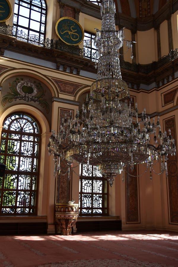 Интерьер мечети султана Dolmabahce Bezmialem Valide стоковое фото rf