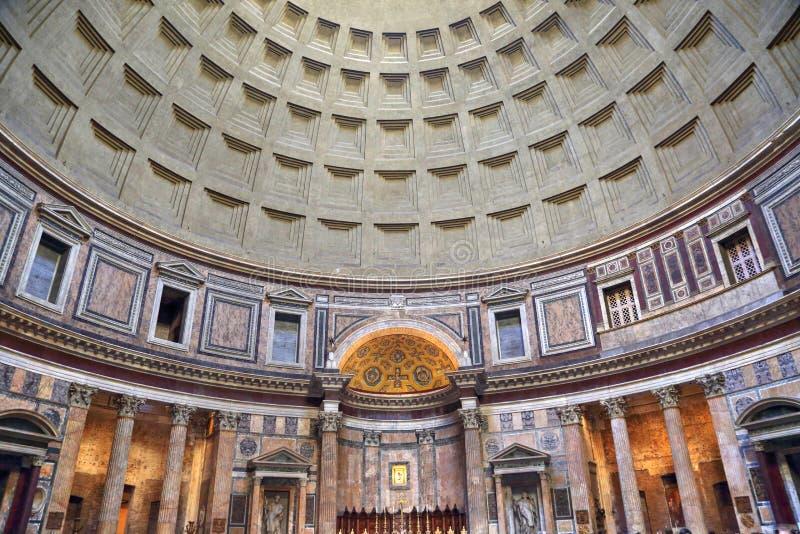 Интерьер римского виска пантеона стоковые фотографии rf