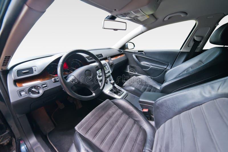 Интерьер роскошного автомобиля стоковые изображения rf