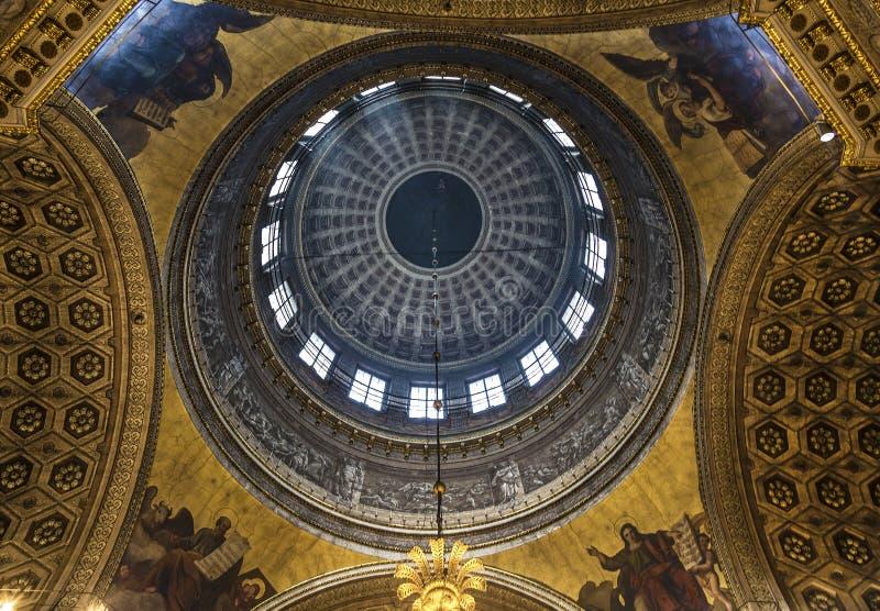 Интерьер собора нашей дамы Казани Купол собора Санкт-Петербург, стоковая фотография