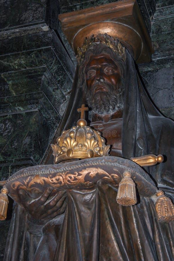 Интерьер собора des Invalides Сент-Луис Осмотр достопримечательностей aris стоковые изображения