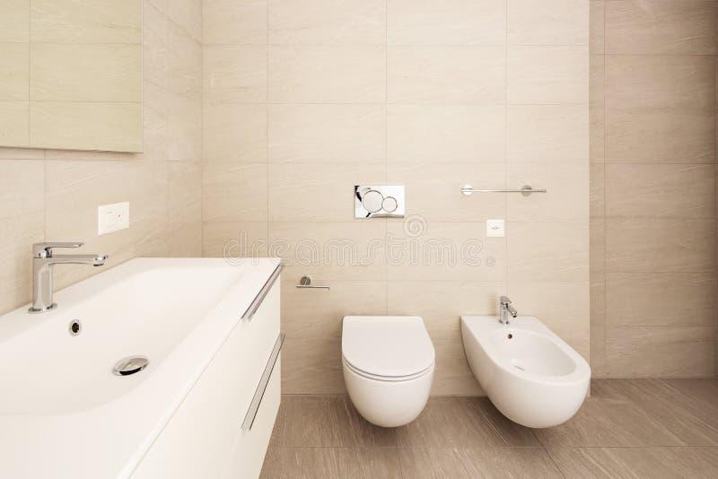 Интерьер современной квартиры, никто внутренность, bathroom стоковое изображение rf