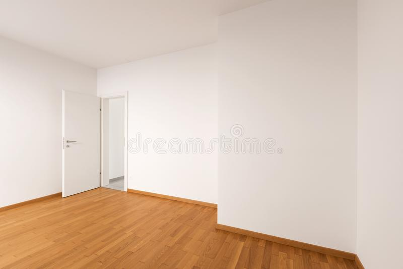 Интерьер современной квартиры, пустой комнаты стоковое изображение