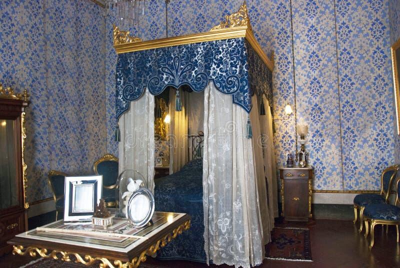 интерьер спальни классицистический стоковая фотография rf