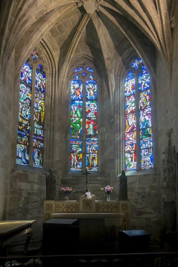 Интерьер церков в Dinan, Бретани, Франции стоковая фотография rf