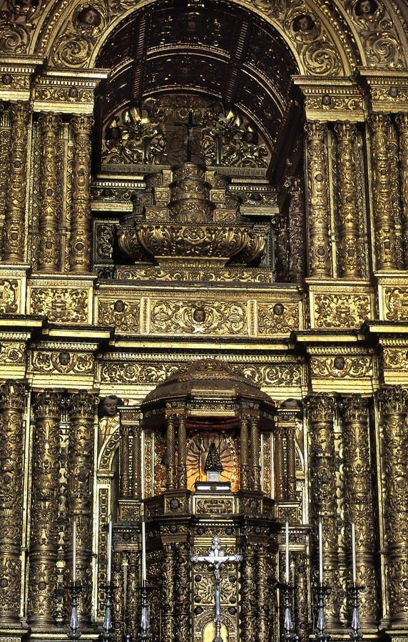 Интерьер церков São Франсиско, Сальвадора, Бразилии стоковые изображения