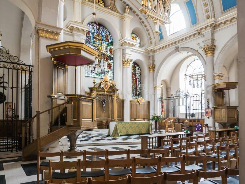 Интерьер церков, St Mary le Обхватывать, Лондон стоковые фотографии rf