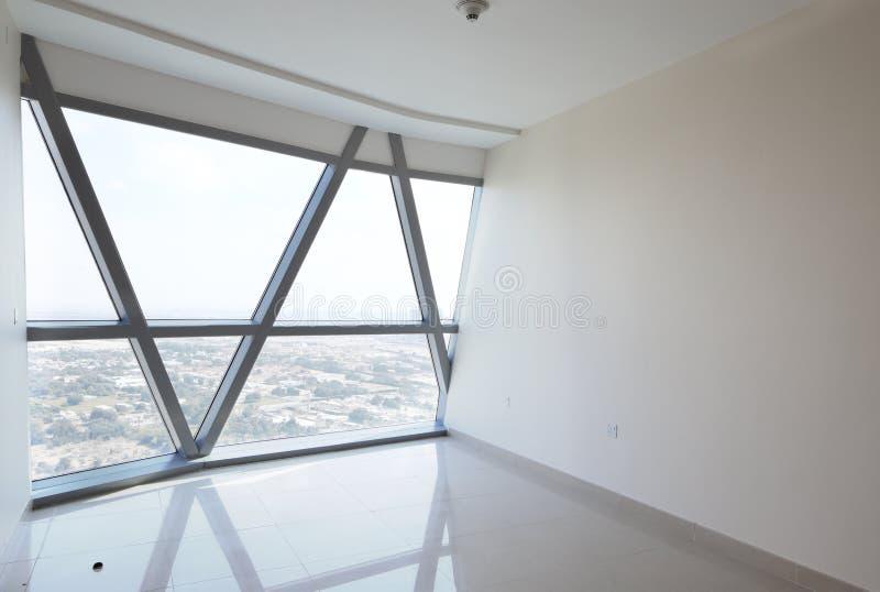 Download Интерьер яркой пустой комнаты Стоковое Изображение - изображение насчитывающей зодчества, цемент: 40575283