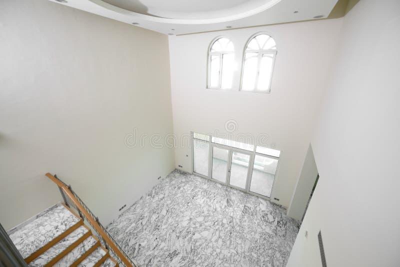 Download Интерьер яркой пустой комнаты Стоковое Фото - изображение насчитывающей деталь, нутряно: 40575310