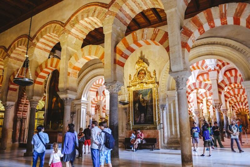Интерьер Mezquita, rdoba ³ CÃ Андалусия, Испания стоковые изображения rf