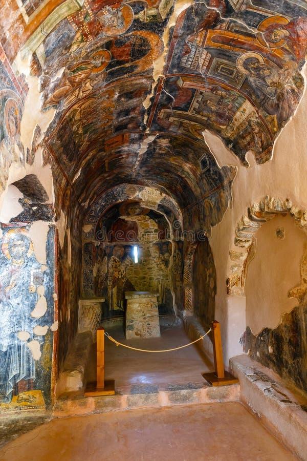 Интерьер three-aisled византийской церков Panagia Kera в деревне Kritsa, Крите, Греции стоковая фотография