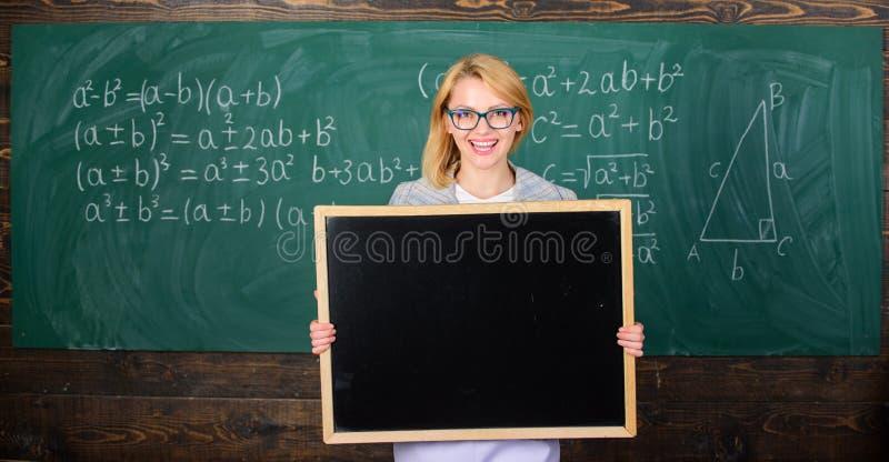Информация для входящих студентов по обмену Реклама школы выставки учителя Место для рекламы школы official стоковые фото