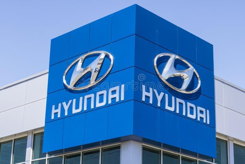 Индианаполис - около апрель 2017: Дилерские полномочия Hyundai Мотора Компании Hyundai южнокорейский автомобильный изготовитель I стоковые изображения rf