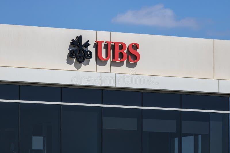 Индианаполис - около июнь 2017: Знак и логотип UBS UBS AG швейцарская глобальная компания финансовых обслуживаний i стоковое изображение rf
