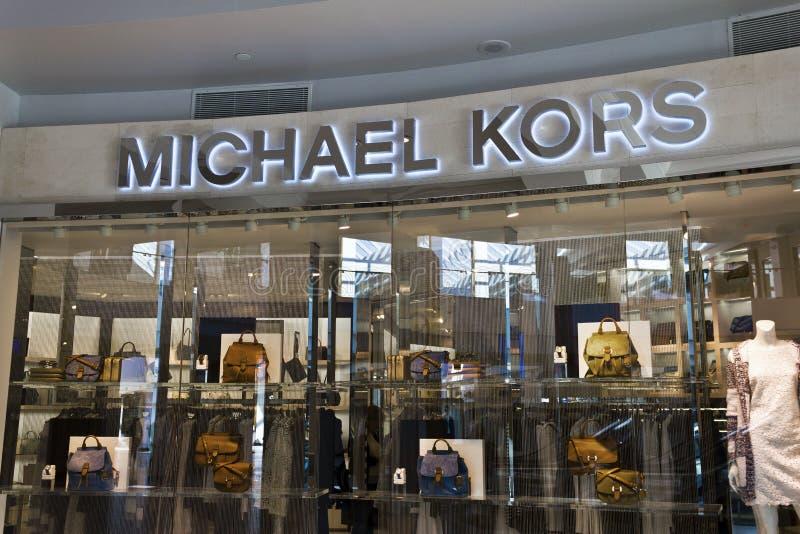 Индианаполис - около март 2016: Магазин розничной торговли i Майкл Kors стоковые фотографии rf