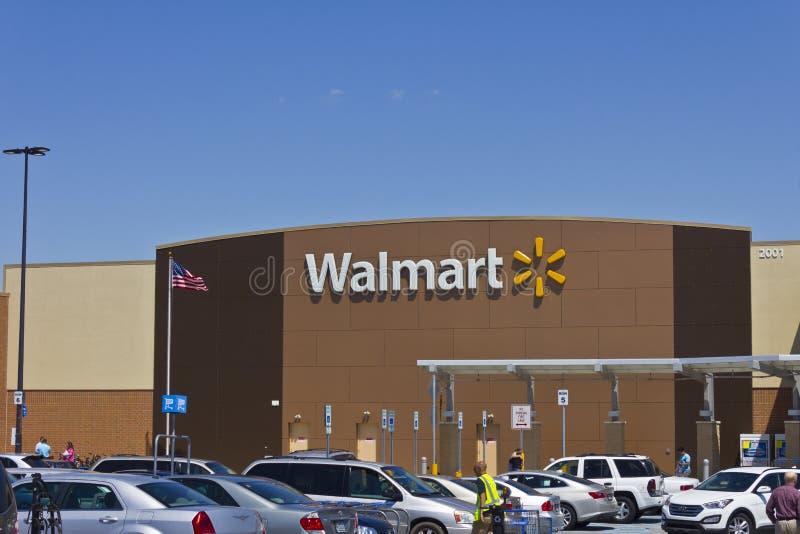 Индианаполис - около март 2016: Положение v розницы Walmart стоковая фотография rf
