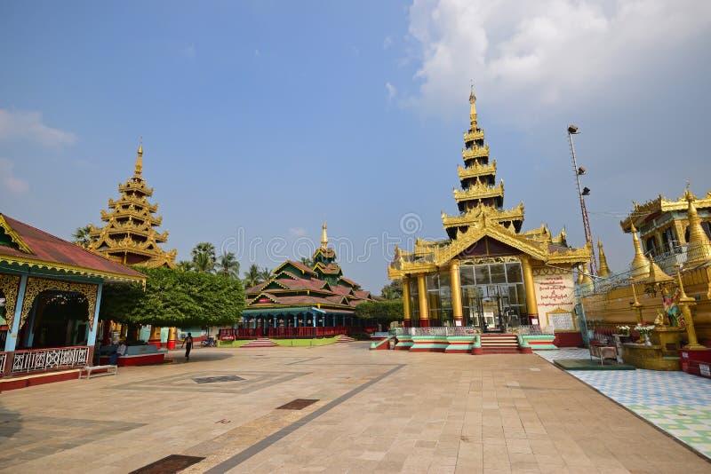 Индивидуальное молитвенное место пагоды Shwemawdaw на Bago, Мьянме стоковое фото