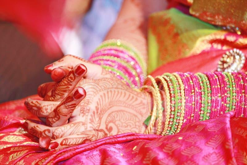Индийская невеста на день замужества стоковые фотографии rf