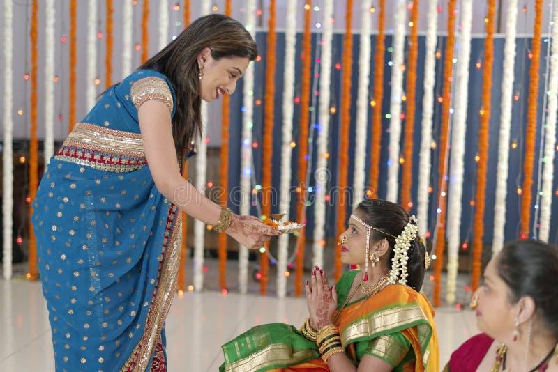 Индийские индусские ритуалы свадьбы стоковое фото