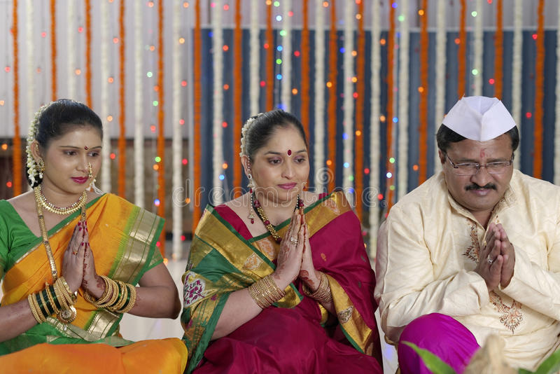 Индийские индусские ритуалы свадьбы стоковые фотографии rf