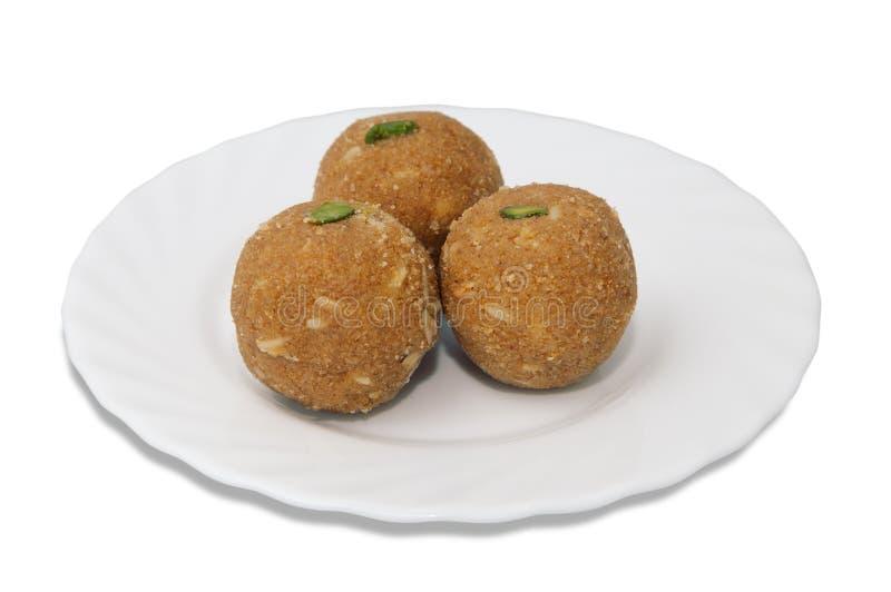 Индийские помадки на плите стоковое изображение rf