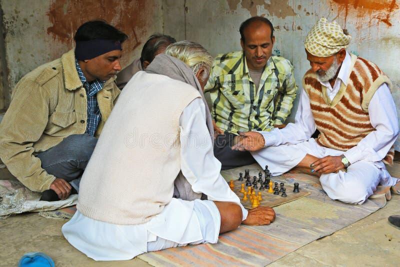 Индийские шахматисты в Mandawa, Раджастхане стоковые изображения