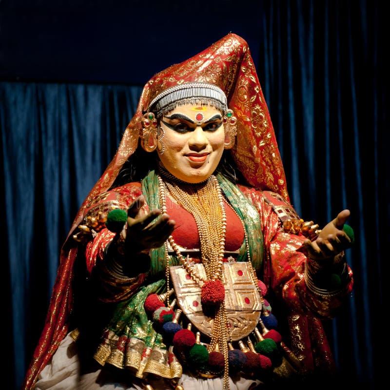 Индийский актер выполняя традиционный танец Kathakali Индия, Керала стоковое изображение