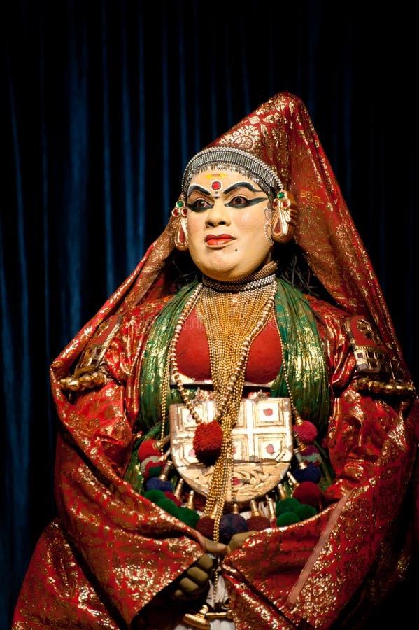 Индийский актер выполняя традиционный танец Kathakali Индия, Керала стоковая фотография
