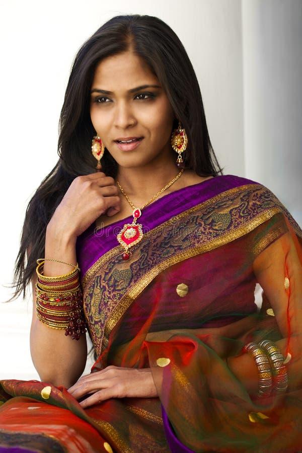 Индийский портрет женщины стоковая фотография