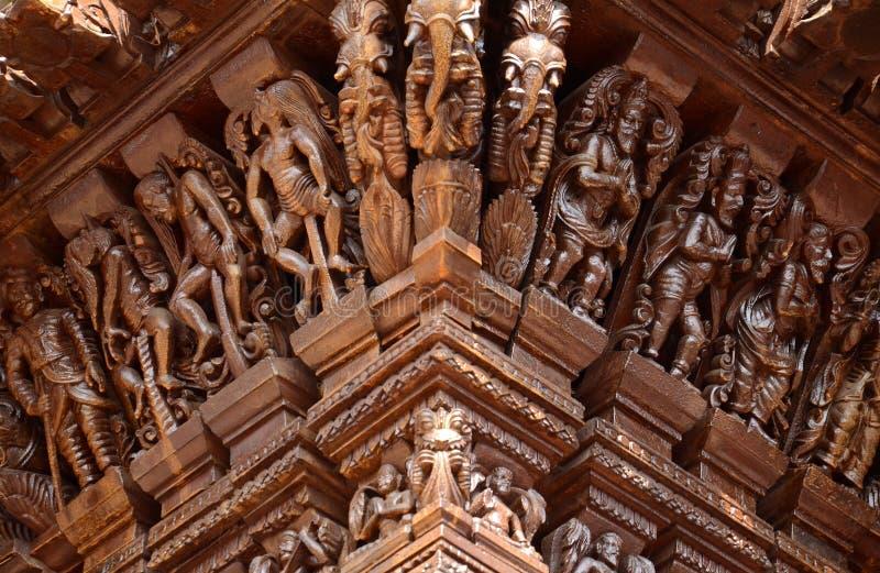 Индусские боги на колеснице стоковая фотография