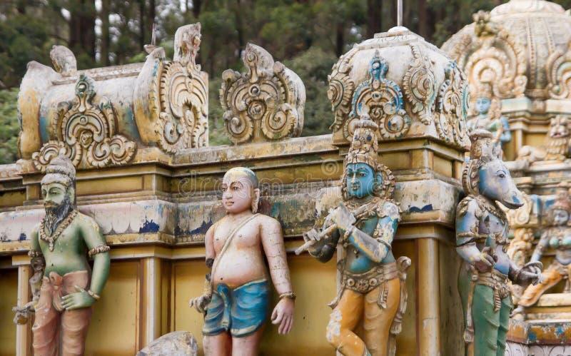 Индусский сброс статуй на фасаде виска стоковое изображение