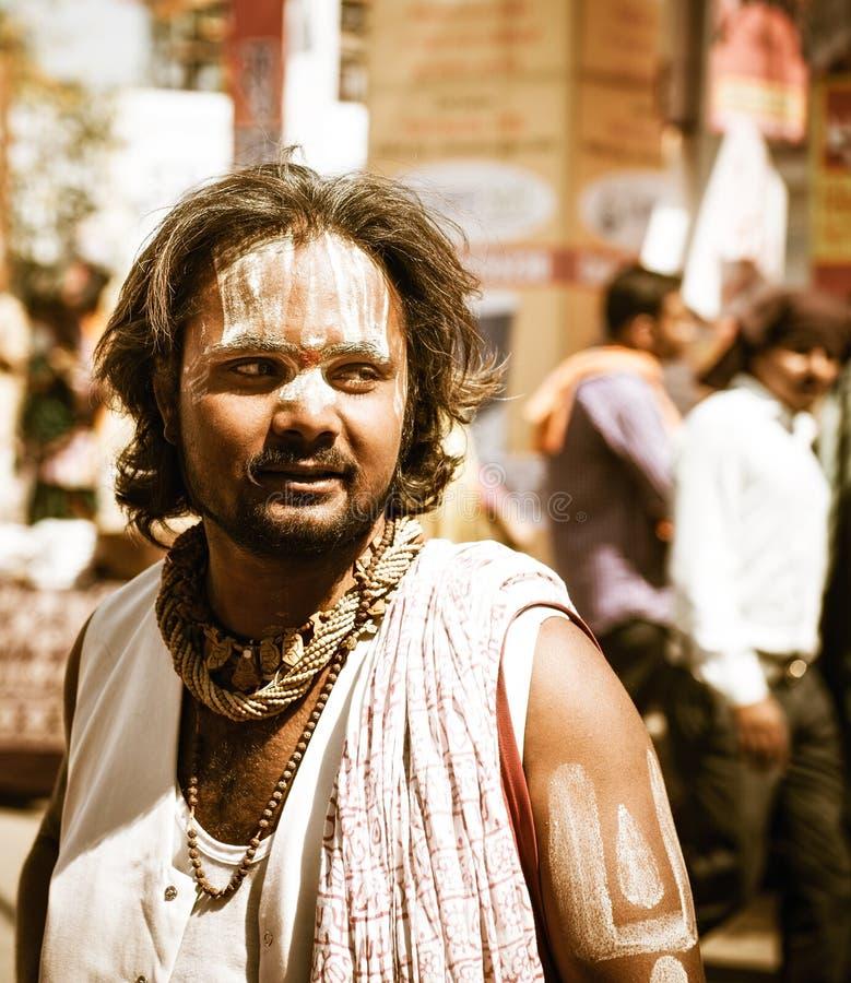 Индусское sadhu - святые человеки на фестивале Kumbha Mela в Ujjain стоковые фотографии rf