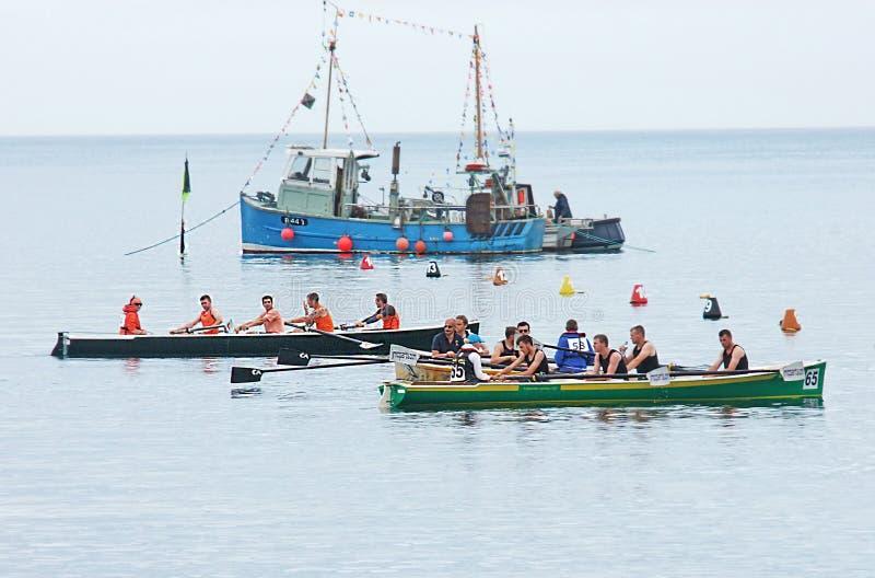 Ирландские прибрежные гребя чемпионаты Carnlough Co Антрим стоковое изображение rf