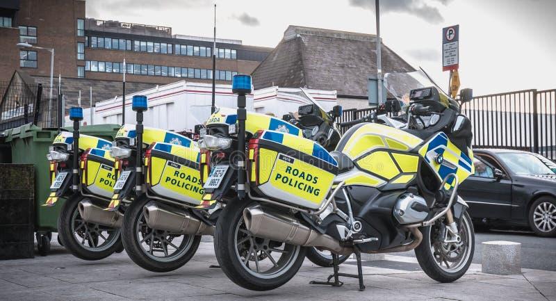Ирландский мотоцикл полиции шоссе припаркованный в Дублине стоковые изображения rf