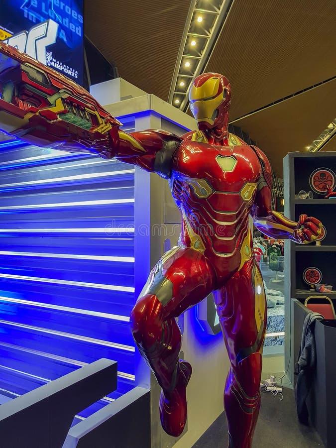 Иронманская статуя из эндшпиля Мстителей. Мстители, американский фильРстоковая фотография rf
