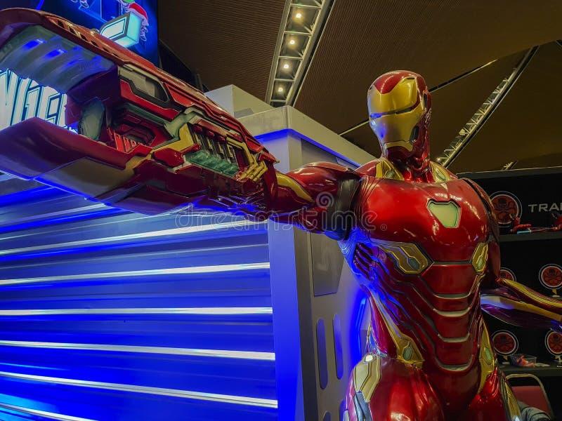 Иронманская статуя из эндшпиля Мстителей. Мстители, американский фильРстоковые фото