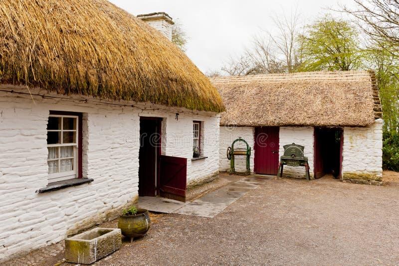 Старый ирландский коттедж стоковая фотография rf
