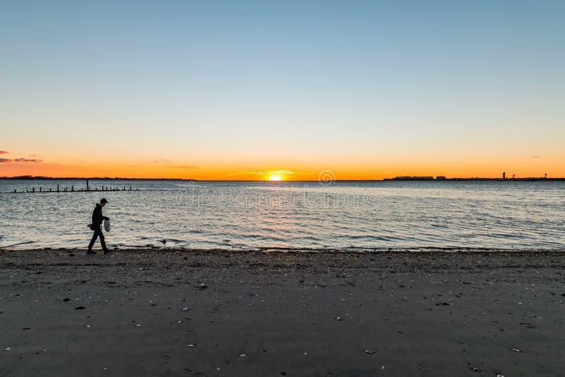 Искать для солнечности стоковая фотография