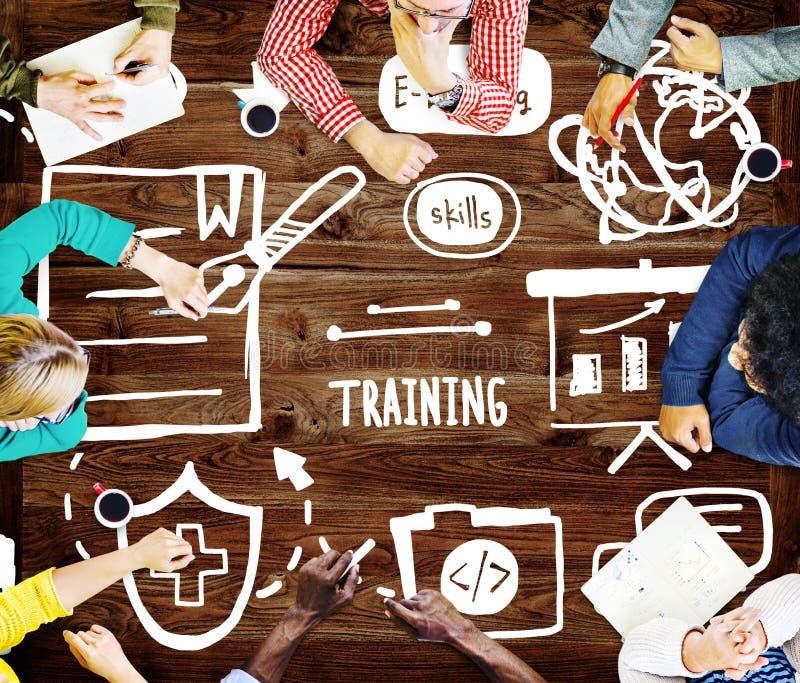 Искусства обучения по Интернетуу тренировки знания начинают вверх концепцию старта стоковое изображение rf