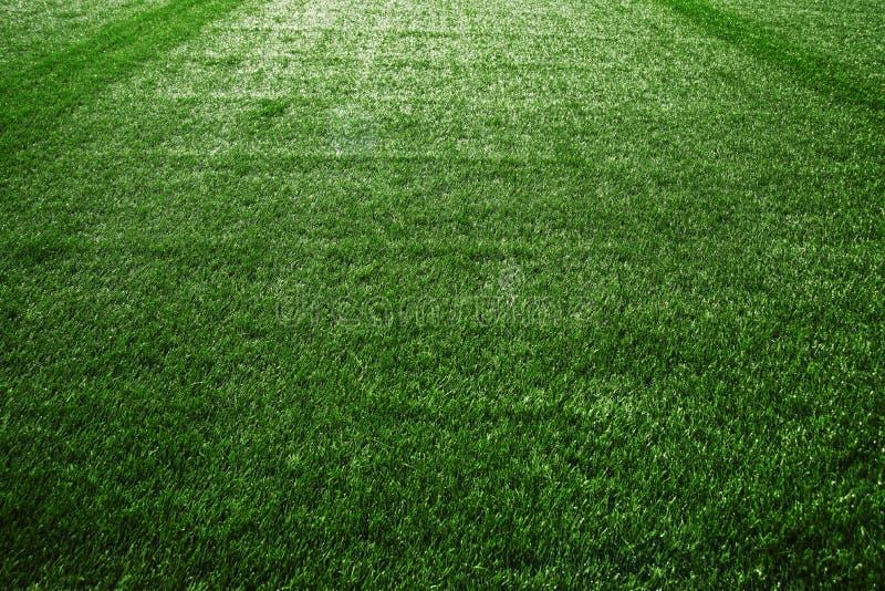 Искусственная дерновина на футбольном поле стоковые фотографии rf