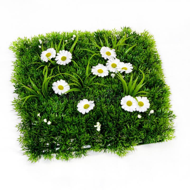 Download искусственная трава стоковое фото. изображение насчитывающей пластмасса - 18383418