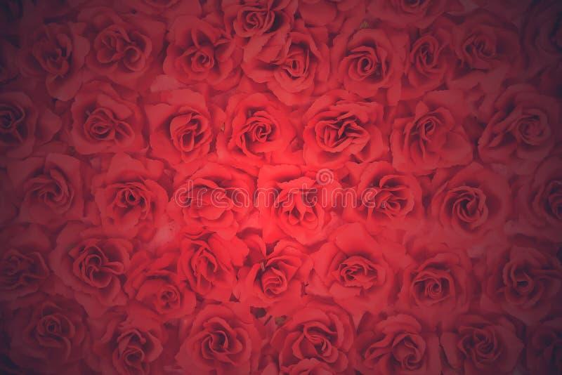 искусственний красный цвет поднял стоковая фотография rf