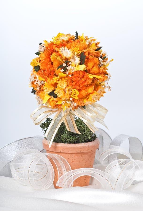 искусственний цветочный горшок стоковая фотография rf