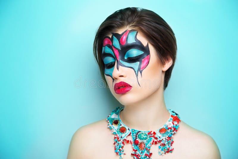 Искусство женщины составляет голубой красный цвет стоковые фотографии rf