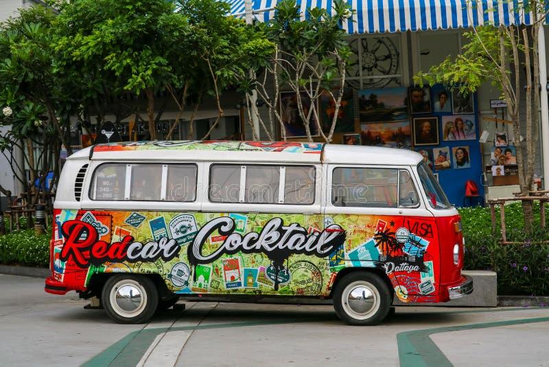 Искусство краски на пользе фургона коктейля к магазину коктейля стоковое изображение rf