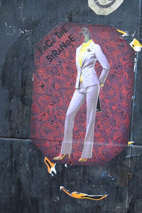 Искусство улицы на стене на майне кирпича, Shoreditch, Лондоне стоковые фотографии rf
