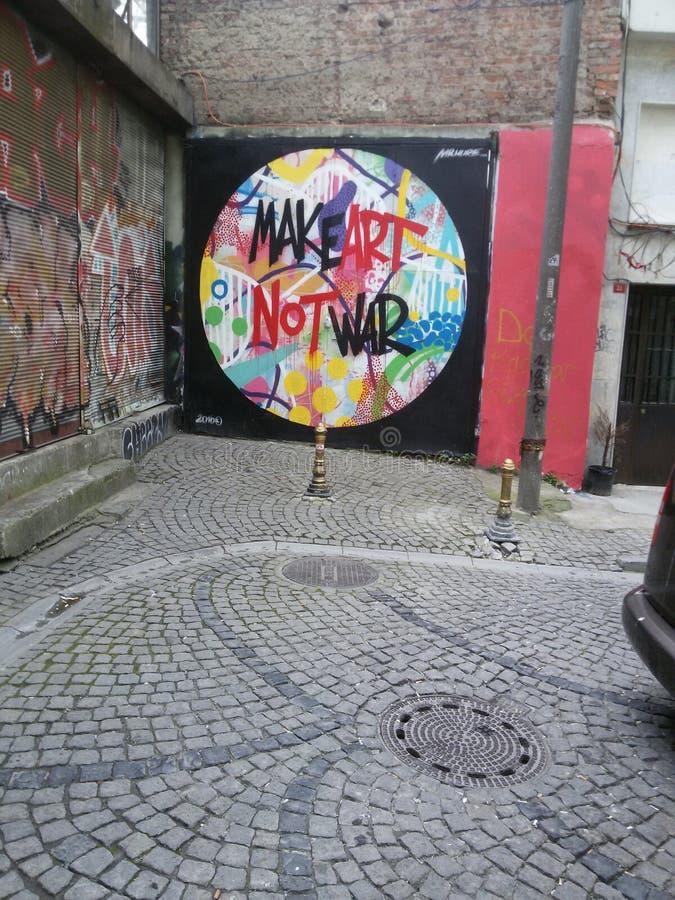 Искусство улицы - сделайте войну искусства не стоковое изображение rf