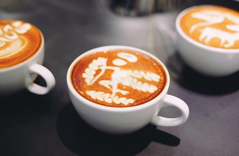 Искусство latte кофе стоковые изображения
