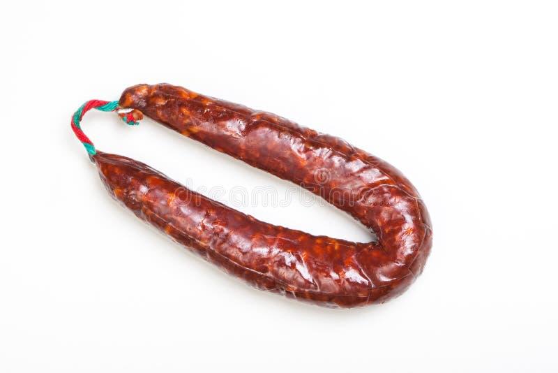 Испанский peperoni кольца, сосиска салями, на белизне стоковые фото