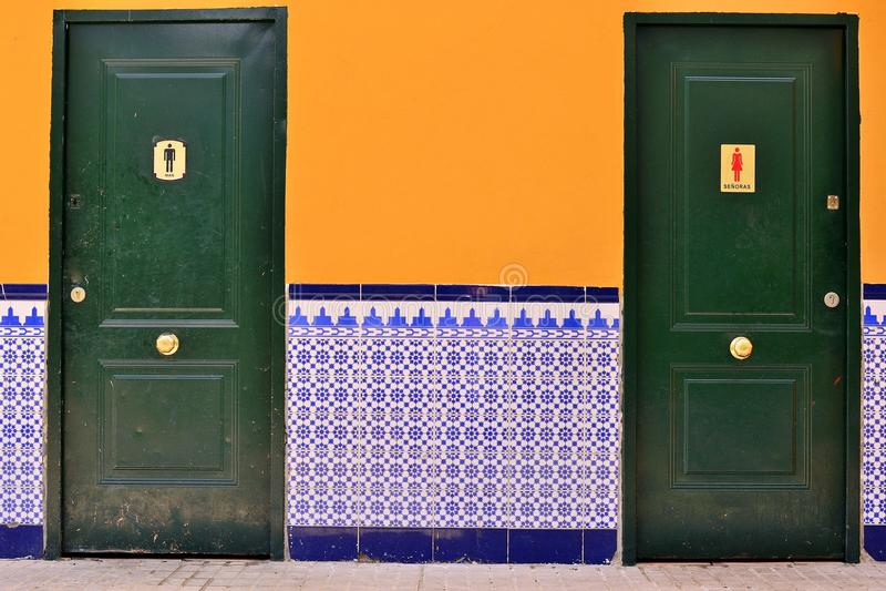 испанский wc плитки стоковая фотография rf